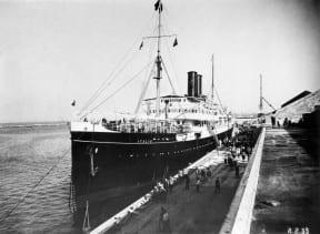 האנייה איטליה בנמל חיפה 1933