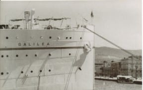 חרטום האנייה גלילאה בנמל טרייסט. יולי 1936